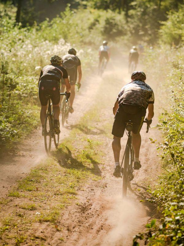 orbit360-gravity_bike_festival_riders_group.jpg